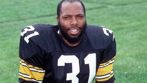 <p>               FILE - This is a 1985 file photo showing Pittsburgh Steelers safety Donnie Shell. Donnie Shell knew he was ahead of his time. It's why the Pittsburgh Steelers safety never worried about whether he'd get into the Hall of Fame. His long wait ended this week, when he got the call more than 30 years after playing his final game. (AP Photo/File)             </p>