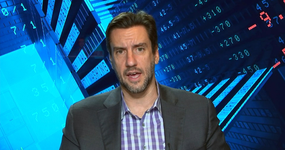 Clay Travis advises to wait until next Friday to lock in your Super Bowl LIV bet