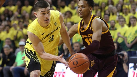 <p>               Oregon's Payton Pritchard, left, passes the ball under pressure from Arizona State's Alonzo Verge during the first half of an NCAA college basketball game in Eugene, Ore., Saturday, Jan. 11, 2020. (AP Photo/Chris Pietsch)             </p>