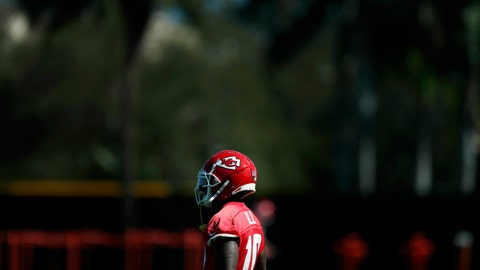 <p>               Kansas City Chiefs wide receiver Tyreek Hill (10) looks on during practice, Wednesday, Jan. 29, 2020, in Davie, Fla., for the NFL Super Bowl 54 football game. (AP Photo/Brynn Anderson)             </p>