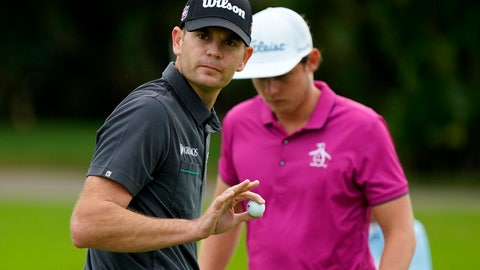 <p>               Brendan Steele waves to the gallery after saving par on the first green during the third round of the Sony Open PGA Tour golf event, Saturday, Jan. 11, 2020, at Waialae Country Club in Honolulu. (AP Photo/Matt York)             </p>