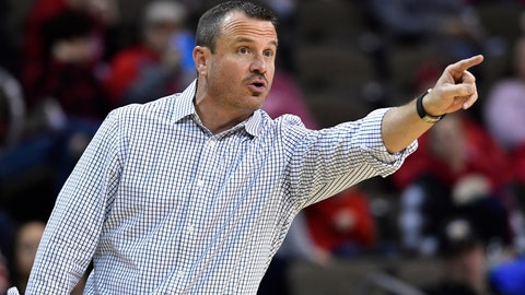 <p>               Louisville head coach Jeff Walz shouts instructions to his team during the second half of an NCAA college basketball game in Highland Heights, Ky., Sunday, Dec. 8, 2019. Louisville won 85-57. (AP Photo/Timothy D. Easley)             </p>
