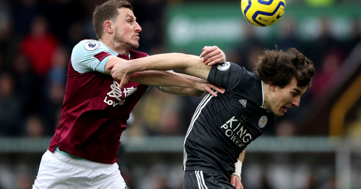 Burnley comes from behind to beat Leicester 2-1 | FOX Sports