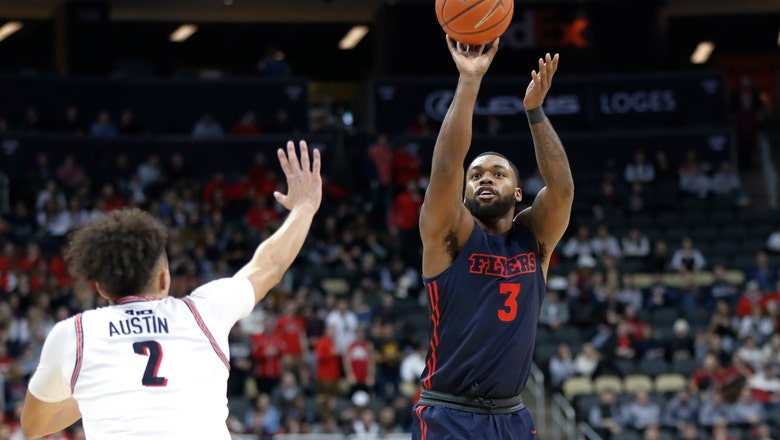 Obi Toppin's 22 points help No. 7 Dayton hold off Duquesne