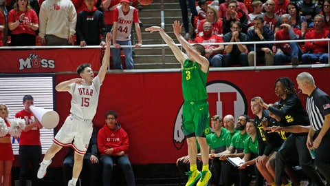 <p>               Oregon guard Payton Pritchard (3) shoots a 3-pointer as Utah guard Rylan Jones (15) defends in the second half during an NCAA college basketball game Saturday, Jan. 4, 2020, in Salt Lake City. (AP Photo/Rick Bowmer)             </p>