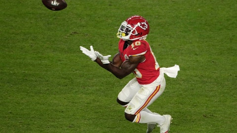 <p>               Kansas City Chiefs' Tyreek Hill (10) catches a pass, during the second half of the NFL Super Bowl 54 football game against the San Francisco 49ers, Sunday, Feb. 2, 2020, in Miami Gardens, Fla. (AP Photo/Charlie Riedel)             </p>