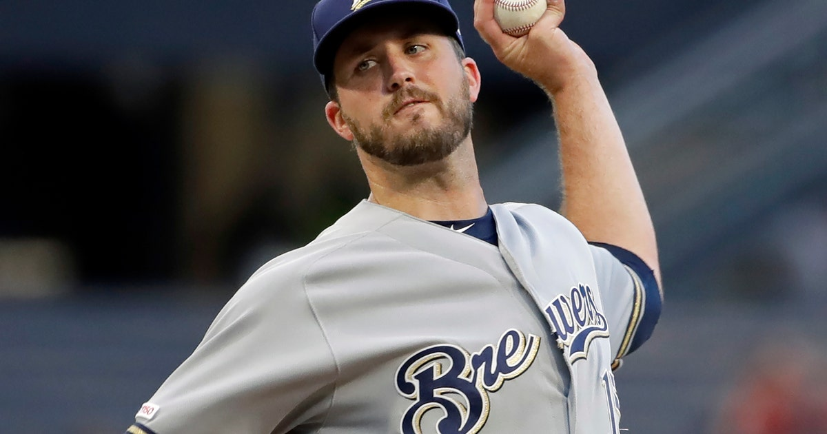 Padres beef up bullpen with Pomeranz, Pagan