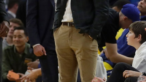 <p>               Injured Golden State Warriors guard Stephen Curry, center, stands next to head coach Steve Kerr during the second half of their team's NBA basketball game against the Indiana Pacers in San Francisco, Friday, Jan. 24, 2020. (AP Photo/Jeff Chiu)             </p>