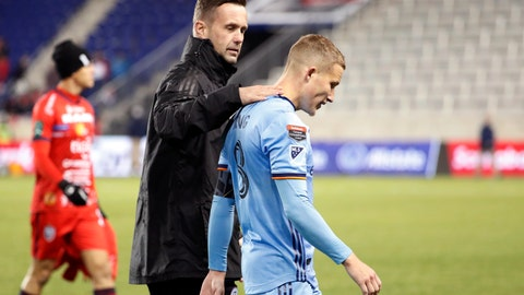 <p>               New York City FC head coach Ronny Deila, center, congratulates New York City FC captain and midfielder Alexander Ring, right, after NYC FC defeated San Carlos 1-0 in a CONCACAF Champions League round of 16 soccer match, Wednesday, Feb. 26, 2020, in Harrison, N.J. A San Carlos player leaves the field at left. (AP Photo/Kathy Willens)             </p>