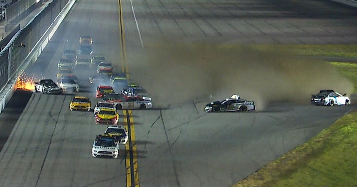 The Big One strikes late at Daytona 500, takes out Jimmie Johnson, Keselowski & 17 other drivers (VIDEO)