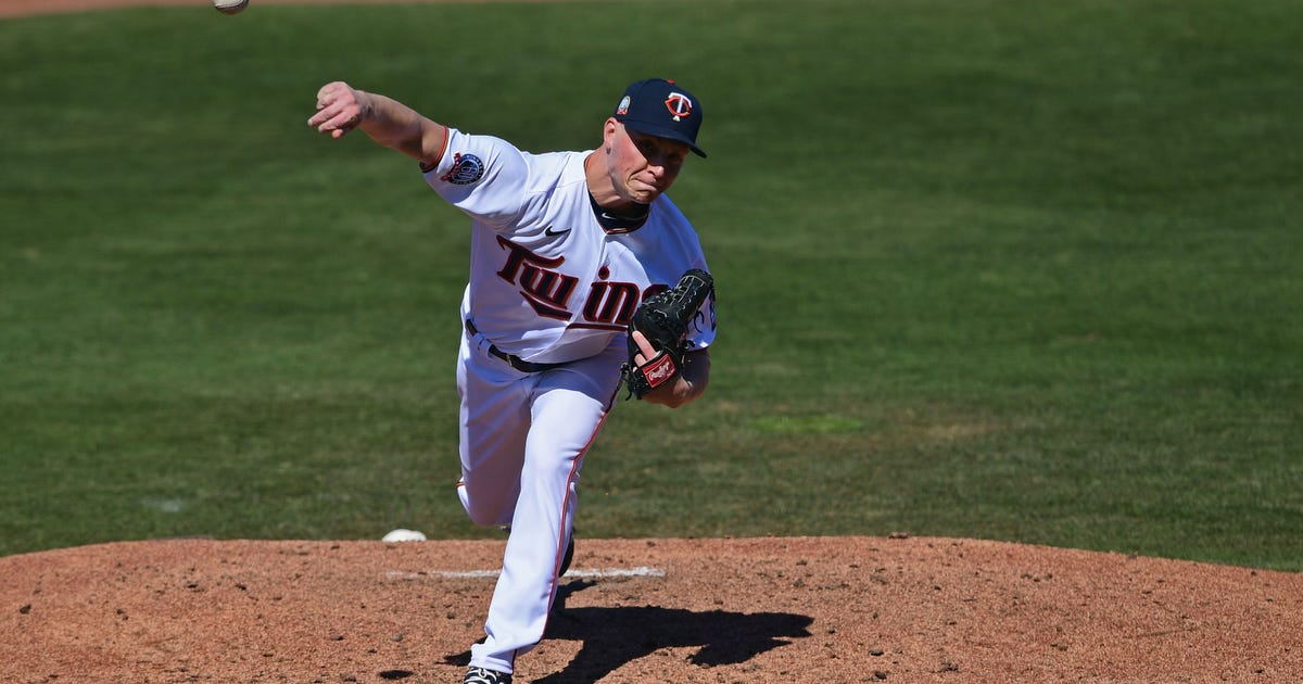 Twins turn triple play in 4-1 win over Red Sox