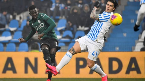 <p>               Bologna's Musa Barrow, left, scores his side's second goal during the Italian Serie A soccer match between Spal and Bologna at the Paolo Mazza stadium in Ferrara, Italy, Saturday, Jan. 25, 2020.  (Massimo Paolone/LaPresse via AP)             </p>