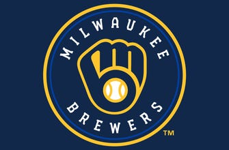 Brewers breeze by Reds 4-1