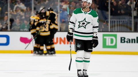 Newcomer helps Bruins top Stars, 4-3