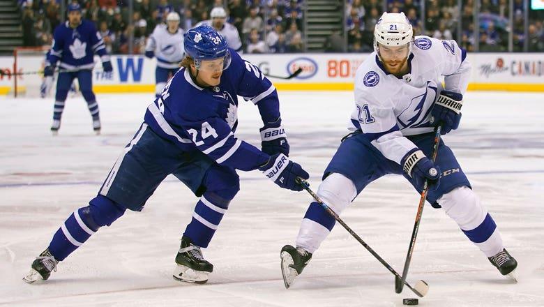 Auston Matthews' 47th goal of the season helps Maple Leafs slip past Lightning