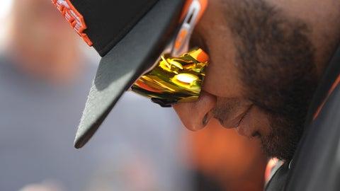 <p>               San Francisco Giants' Pablo Sandoval gives autographs to fans before a spring training baseball game against the Arizona Diamondbacks, Monday, March 2, 2020, in Scottsdale, Ariz.(AP Photo/Darron Cummings)             </p>
