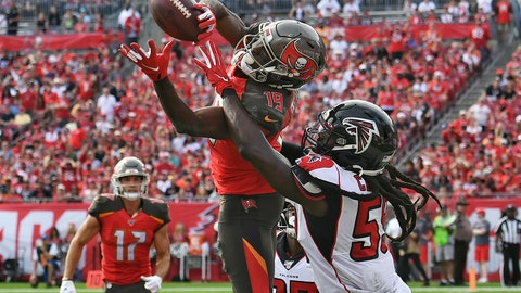 <p>               FILE - In this Dec. 29, 2019, file photo, Tampa Bay Buccaneers wide receiver Breshad Perriman (19) pulls in a 24-yard touchdown reception in front of Atlanta Falcons outside linebacker De'Vondre Campbell (59) during the first half of an NFL football game in Tampa, Fla. Perriman agreed to terms Tuesday with the New York Jets on a one-year deal worth up to $8 million and includes $6 million guaranteed, agent Drew Rosenhaus told The Associated Press. (AP Photo/Jason Behnken, File)             </p>