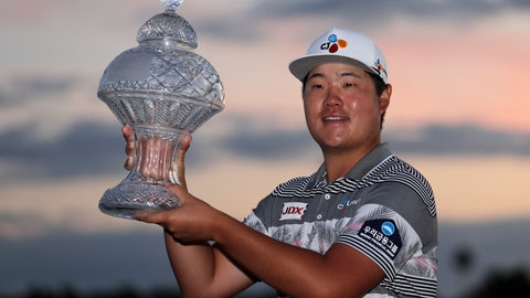 <p>               Sungjae Im of South Korea holds the trophy after winning the Honda Classic golf tournament, Sunday, March 1, 2020, in Palm Beach Gardens, Fla. (AP Photo/Lynne Sladky)             </p>