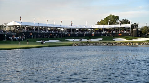 <p>               Rory McIlroy, of Northern Ireland, and Sungjae Im, of South Korea, set up to make their putts on the 18th green during the third round of the Arnold Palmer Invitational golf tournament, Saturday, March 7, 2020, in Orlando, Fla. (AP Photo/Phelan M. Ebenhack)             </p>