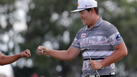<p>               Sungjae Im of South Korea bumps fists with his caddie after saving par on the sixth hole during the fourth round of the Honda Classic golf tournament, Sunday, March 1, 2020, in Palm Beach Gardens, Fla. (AP Photo/Lynne Sladky)             </p>