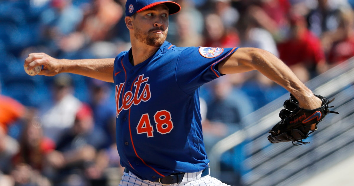 Mets' deGrom nearly perfect over 3 IP in first spring start