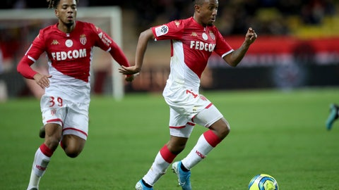 <p>               Monaco's Gelson Martins, right nd Monaco's Benjamin Henrichs go for the ball during the French League One soccer match between Monaco and Paris Saint-Germain at the Louis II stadium in Monaco, Wednesday, Jan. 15, 2019. (AP Photo/Daniel Cole)             </p>