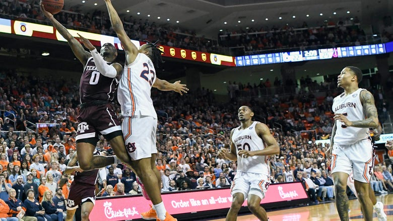 Texas A&M holds on, upsets No. 17 Auburn 78-75