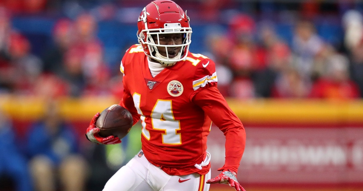 'Everybody's back!'— Nick Wright is thrilled Sammy Watkins re-signs with Chiefs (VIDEO)
