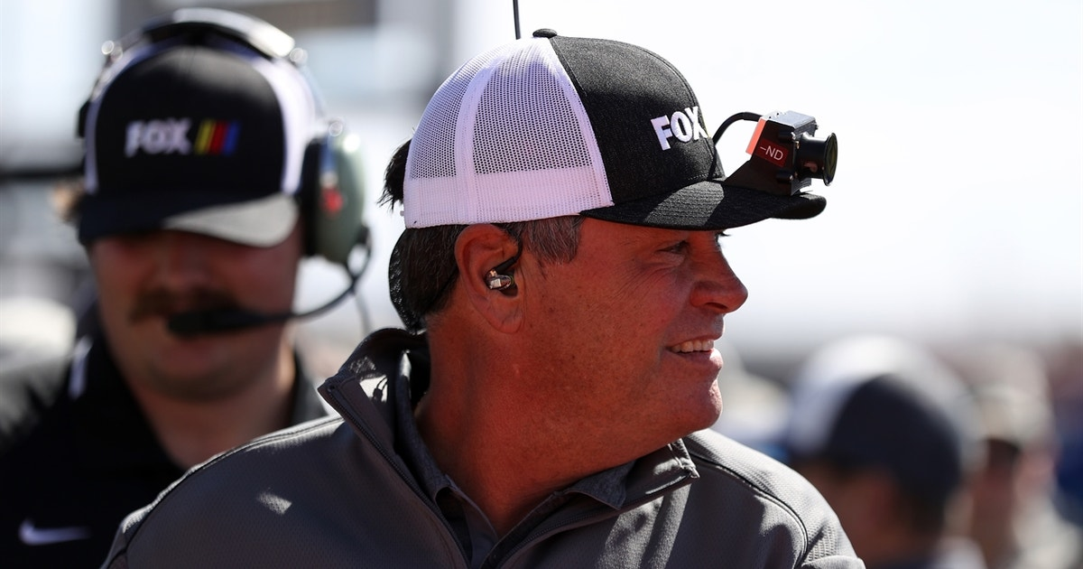 NASCAR drivers discuss if Michael Waltrip is a better broadcaster or driver (VIDEO)