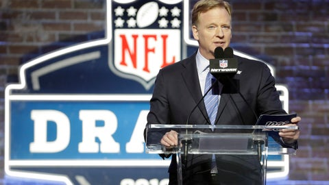 <p>               FILE - In this April 25, 2019, file photo, NFL Commissioner Roger Goodell speaks ahead of the first round at the NFL football draft in Nashville, Tenn. In a memo sent to the 32 teams Monday, April 6, 2020, and obtained by The Associated Press, NFL Commissioner Roger Goodell outlined procedures for the April 23-25 draft. The guidelines include no group gatherings. (AP Photo/Steve Helber, FIle)             </p>