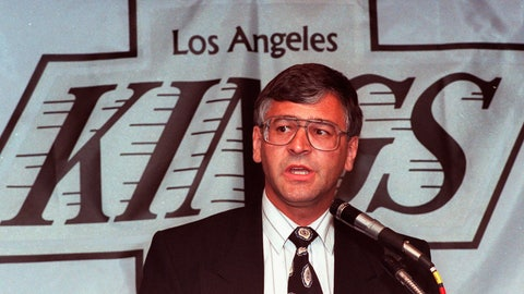 <p>               FILE - In this May 31, 1989, file photo, Tom Webster talks to reporters in Inglewood, Calif., after he was named coach of the Los Angeles Kings NHL hockey team. Webster, the former NHL and WHA forward who went on to coach the New York Rangers and the Kings, died Friday, April 10, 2020. He was 71. The Carolina Hurricanes announced Webster's death. (AP Photo/Nick Ut, File)             </p>