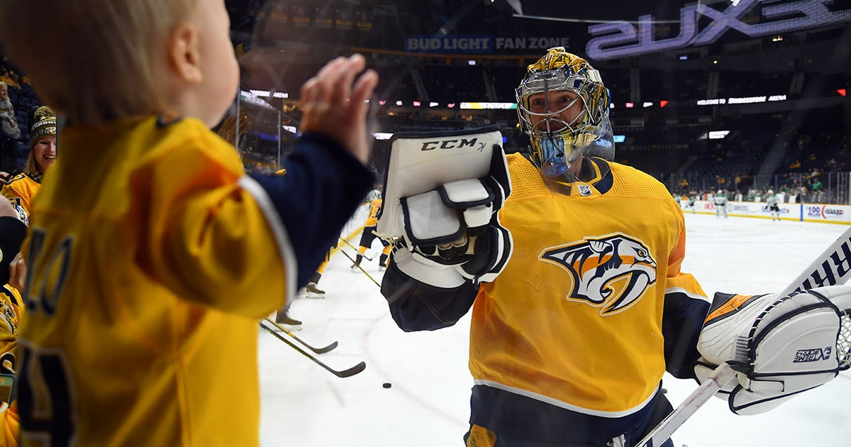 Preds star Pekka Rinne learning to juggle during NHL hiatus (VIDEO)