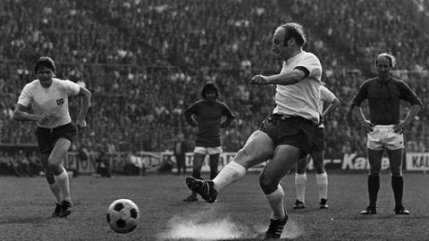 <p>               FILE - In this May 1, 1972 file photo German soccer star Uwe Seeler shoots a penalty during his farewell match in Hamburg, Germany. Former West Germany and Hamburger SV forward Uwe Seeler is to have an operation for a broken hip after a bad fall at home. (AP Photo/Helmuth Lohmann, file)             </p>