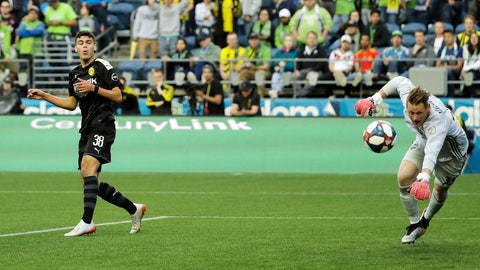 <p>               FILE - In this Wednesday, July 17, 2019 file photo, Borussia Dortmund's Gio Reyna, left, reacts after missing a shot against Seattle Sounders goalkeeper Bryan Meredith during a friendly soccer match, in Seattle. American youngster Gio Reyna's first Bundesliga start for Borussia Dortmund was foiled Saturday, May 16, 2020 by a pre-match injury. (AP Photo/Ted S. Warren, file)             </p>