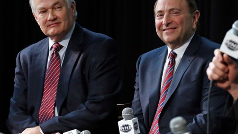 <p>               FILE - In this Jan. 24, 2015, file photo, NHL Player's Association executive director Donald Fehr, left, and NHL Commissioner Gary Bettman are shown during a news conference at Nationwide Arena in Columbus, Ohio. The NHL is one step closer to returning. Commissioner Gary Bettman unveiled a 24-team straight to playoffs format the league will use if it can clear the other hurdles to resume its season. The announcement comes on the heels of the league and NHLPA issuing an extensive series of protocols once players are allowed to return to their facilities. (AP Photo/Gene J. Puskar, File)             </p>