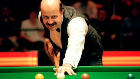 <p>               FILE - This Feb. 6, 1994 file photo, shows Willie Thorne. Willie Thorne, a former snooker player who was one of Britain's most distinctive sportsmen in the 1980s, died on Wednesday June 17, 2020. He was 66. (PA via AP, File)             </p>