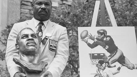 <p>               FILE - In this July 30, 1983, file photo, former Cleveland Browns and Washington Redskins halfback and wide receiver Bobby Mitchell poses with his bronze bust after being inducted into the Pro Football Hall of Fame in ceremonies in Canton, Ohio.    The Washington Redskins will retire the jersey of Mitchell and rename the lower level of FedEx Field for him, replacing former owner George Preston Marshall.  The team, which is being pressured to change its name during the ongoing national reckoning over racism, said Saturday, June 20, 2020,  that the No. 49 will become on the second in the franchise's 88-year history to be retired.   (AP Photo/Gus Chan, File)             </p>
