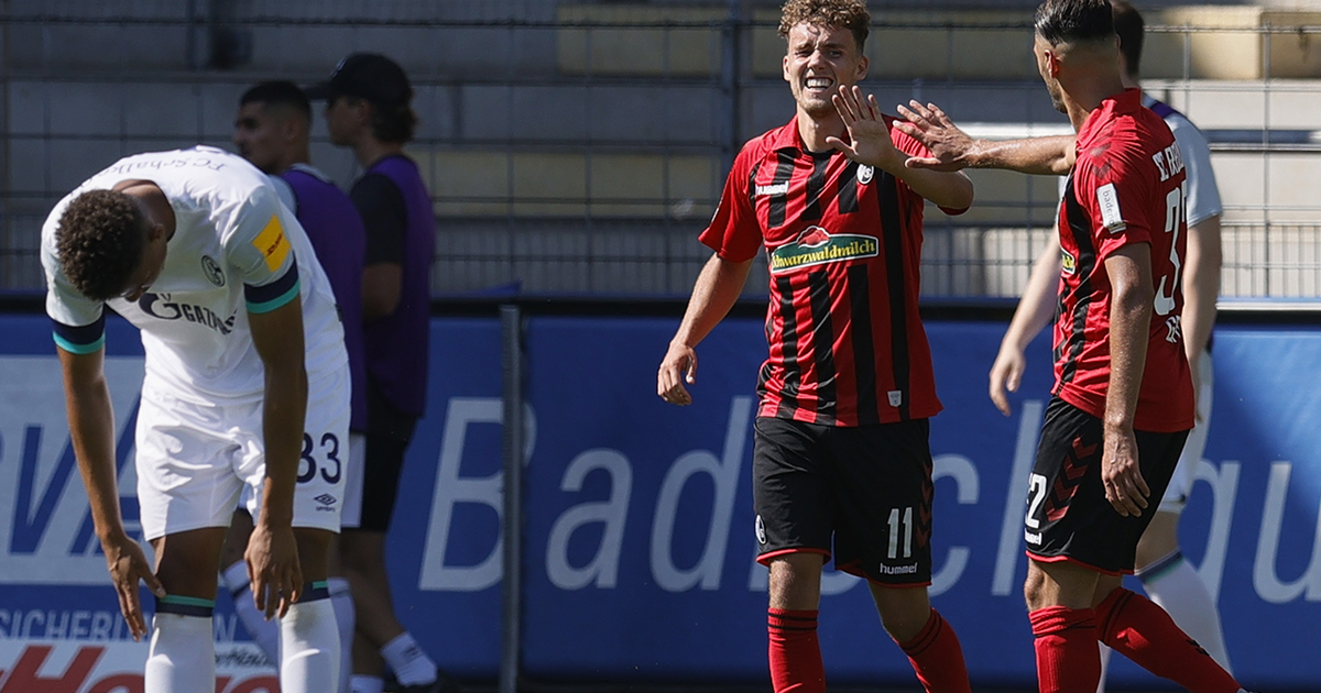 Schalke end on a low note continuing skid in 4-0 loss to Freiburg (VIDEO)