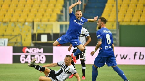 <p>               Fiorentina's Franck Ribery, top, battles for the ball with Parma's Jasmin Kurtic  during a Serie A soccer match between Parma and Fiorentina at the Mario Tardini Stadium in Parma, Italy, Sunday, July 5, 2020. (Massimo Paolone/LaPresse via AP)             </p>