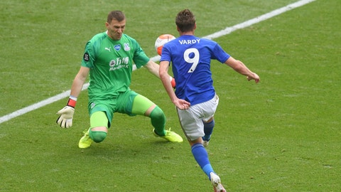 <p>               Leicester's Jamie Vardy scores his teams third goal during the English Premier League soccer match between Leicester City and Crystal Palace at the King Power stadium in Leicester, England, Saturday, Dec. 4, 2020. (Michael Regan/Pool via AP)             </p>