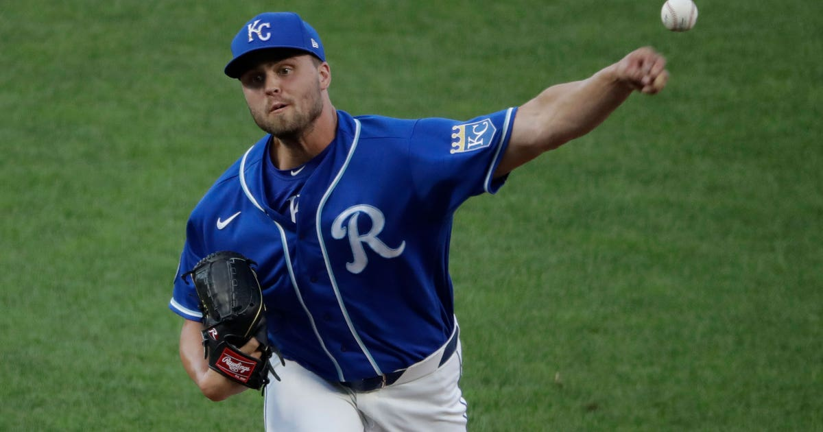 Royals add four players to 40-man roster, DFA two and send one to Omaha