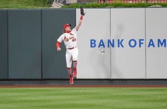 Cardinals' defensive miscue proves costly in 4-2 loss to Reds