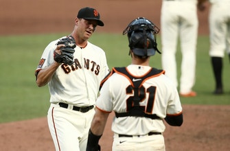 Padres score three runs in the 7th, but drop game 1 of doubleheader against Giants
