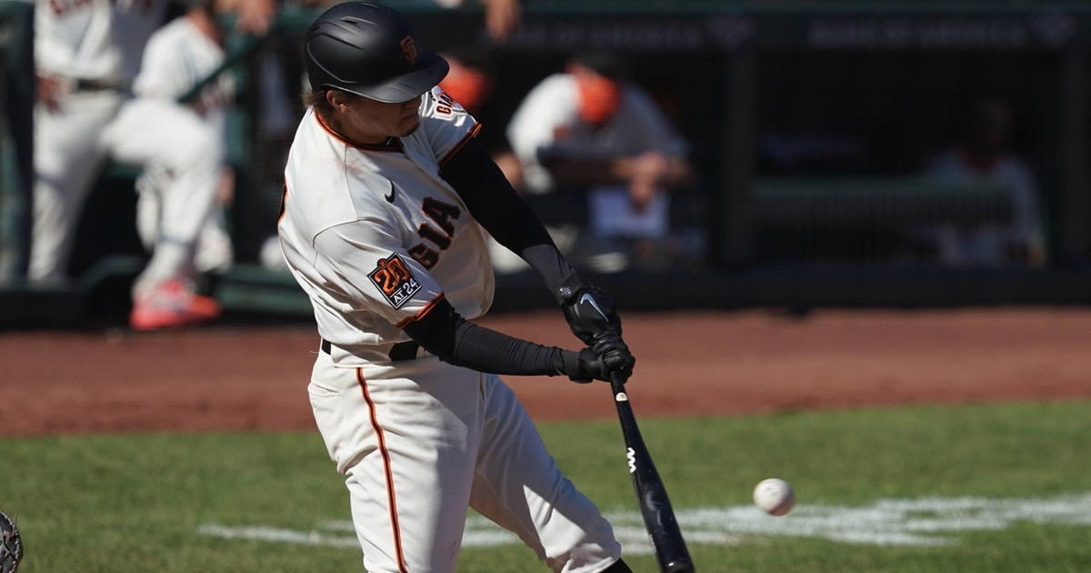 Wilmer Flores' two-run triple propels Giants past Mariners, 6-4 (VIDEO)