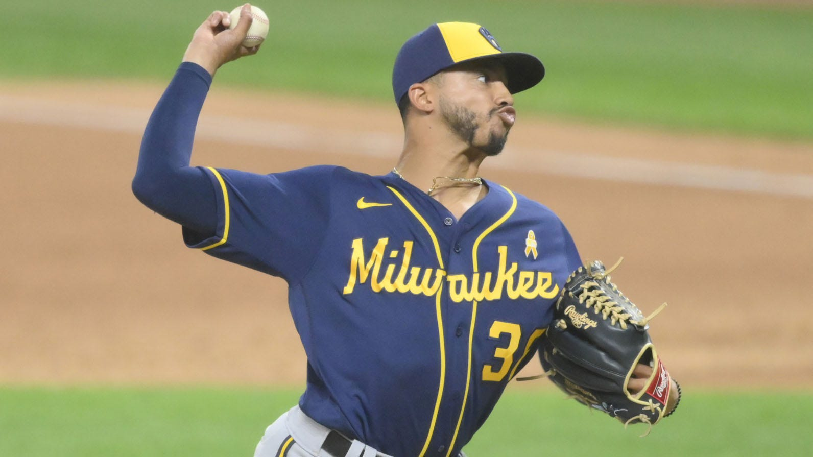 Changeup of Brewers' Williams continues to baffle hitters | FOX Sports