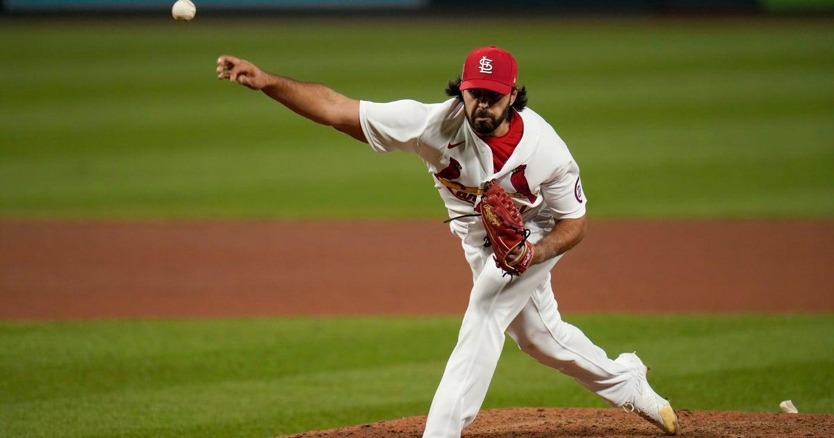 Cardinals outright Crismatt, Sánchez, lose Schrock on waivers to Cubs