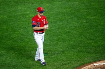 Twins lose series opener to Reds 7-2