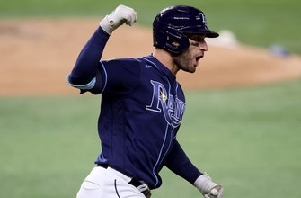 Kevin Kiermaier solo home run ties up World Series Game 4, 6-6, in the 7th inning