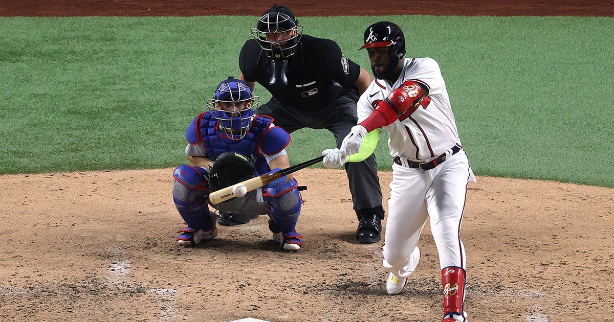 Frank Thomas breaks down Marcell Ozuna's huge night in NLCS Game 4 using Samsung Galaxy 5G View app