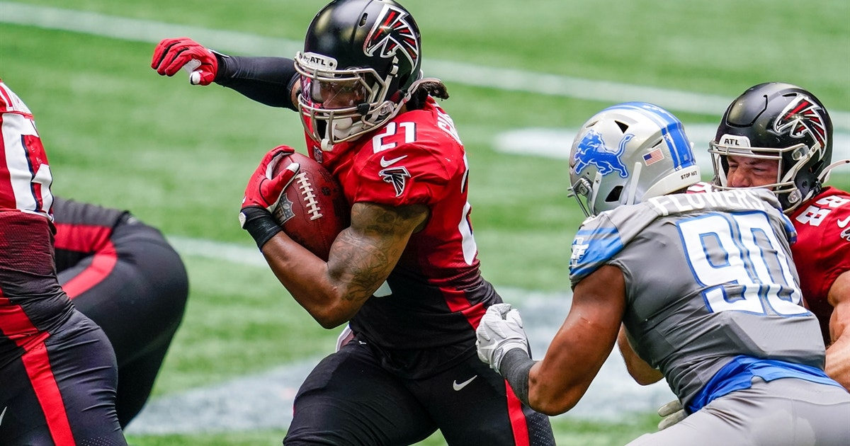 Todd Gurley punches it in from four yards out to give Falcons 21-16 lead over Lions